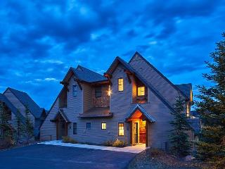 Escape to Big Sky in this End Unit Saddle Ridge Townhome - Big Sky vacation rentals