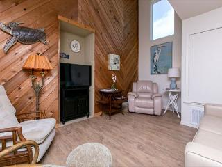 3BR/3BA Steps to the Beach and Pool at Lost Colony! Winter Texans Welcome! - Port Aransas vacation rentals