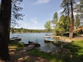Lakefront 500ft>MarinaBch WIFI DogOK 25m>Yosemite - Gold Country vacation rentals
