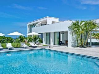 This 4 bed house represents a level of style, elegance and design rarely available in Barbados. Views of the ocean from the larg - Saint James vacation rentals