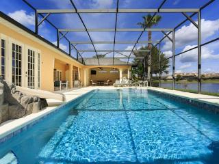 Spectacular 9 bed villa in Formosa Gardens, 2 miles of Disney. Huge screened pool, Lake, Cinema, Games room, BBQ - Central Florida vacation rentals
