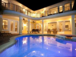 Luxury 6 Bedroom + Den, games room, private pool and spa plus spectacular Golf View - Reunion vacation rentals