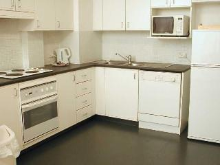 GO942 - Everything You Need in Walking Distance - Sydney vacation rentals