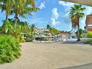 135 Gulfview Dr - 28 Night Minimum!!!! - Islamorada vacation rentals