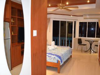 Beautiful apartment (739 )in the  centre Jomtien, - Na Chom Thian vacation rentals