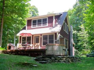 The perfect ski house with privacy and hot tub! - Middlebury vacation rentals