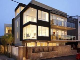 Melbourne Beach Side 2 Bed 3 Bath WOW Apartment - Toorak vacation rentals