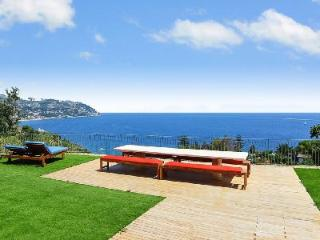 Hillside Villa Serenita Due with Multiple Terraces, Pool, Spa & Fantastic Views - San Remo vacation rentals