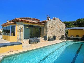 Beachfront Villa Mandrier with Sea View Terrace, Pool & Hot Tub - 5 min to Town - Menton vacation rentals