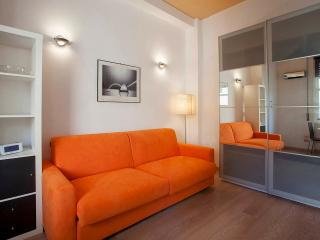 Florence center studio apartment 50 mt from Ponte Vecchio - Florence vacation rentals