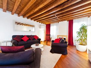 CA GIULIA CLOSE TO BIENNALE/ S.MARCO WITH TERRACE - Venice vacation rentals