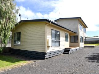 RIDGE END - Inverloch vacation rentals