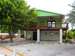 Charming 3bedroom/2bath home in the Florida Keys - Ramrod Key vacation rentals