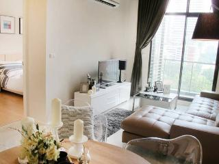 2 BR 2 Bath Urban Chic Full Facilities - Bangkok vacation rentals