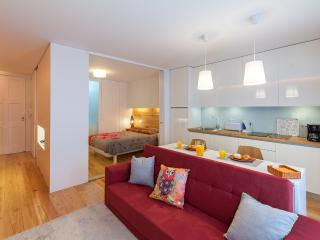 Studio + Garden @ Historic Centre! - Porto vacation rentals