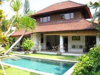 Villa Bunga 1 at the Beach with Welcome Breakfast - Seminyak vacation rentals