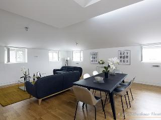 'Chartrons' Chic Three Bedroom Duplex - Bordeaux vacation rentals