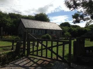 Lower Colbiggan Farmhouse - Saint Austell vacation rentals