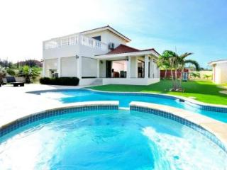 Villa Tropical Breeze - Paradera vacation rentals