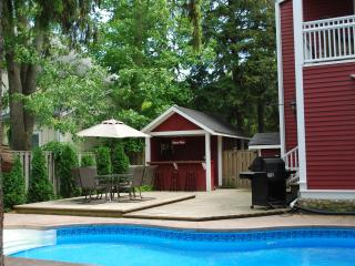 Simcoe Pines, 4 Bdrm Luxury home with heated pool - Niagara-on-the-Lake vacation rentals