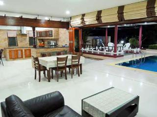 Four-Bedroom Ao Nang Pool Villa for up to 8 People - Krabi vacation rentals