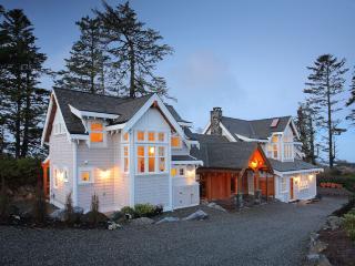 OCEANFRONT BEACH HOUSE - Black Rock Beach House - Ucluelet vacation rentals
