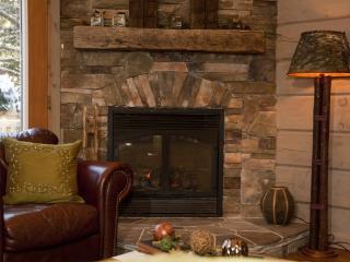 Bliss Cottage Kennisis Lake, Haliburton 4 bdrm - Haliburton vacation rentals