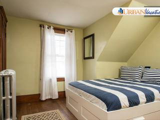 Cozy Apartment Near Harvard & MIT - Greater Boston vacation rentals