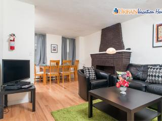 Urban Apartment Near Airport Brand New Decor 3287 - Greater Boston vacation rentals