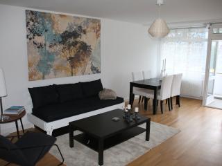 Perfect Location in Berlin- 1 Bedroom- Sleeps 4 - Berlin vacation rentals