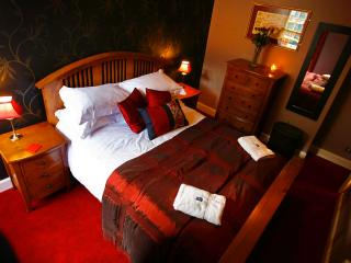 Ladystairs, on Royal Mile, 150 metres to Edinburgh Castle - Edinburgh vacation rentals