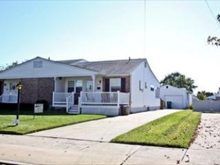 Dog Friendly! C/A! WiFi! 93023 - Image 1 - Cape May - rentals