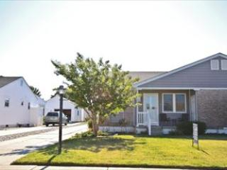 Newly Renovated Twin 13815 - Image 1 - Cape May - rentals