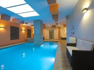 Self catering apartment with shared indoor pool - Swieqi vacation rentals