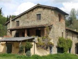 Padronale front view - 3 bedrooms Apt Rental in the heart of Tuscany - Loro Ciuffenna - rentals