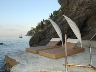 Large Villa Near Amalfi with a Jacuzzi and Spectacular Sea Views - Villa la Grotta - Amalfi vacation rentals
