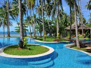 Idyllic Villa Kalyana offers beachside pool, snorkeling and onsite Thai chef - Khanom vacation rentals