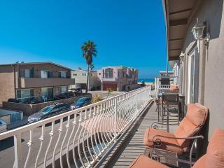 111 B 42nd Street- Upper 4 Bedrooms 2 Baths - Newport Beach vacation rentals