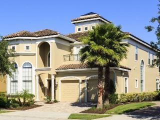 Luxury 5 bed home just minutes from Disney, Games room, golf views, pool and spa - Reunion vacation rentals