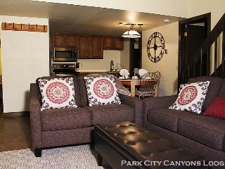 Red Pine O6: Just Renovated, 2 Bedroom plus loft vacation condo next to the clubhouse. - Utah Ski Country vacation rentals