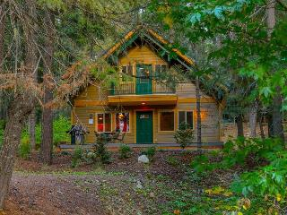 Charming 3BR / 2BA cabin in Pineloch Sun, near the Lake and Speelyi Beach! - Cle Elum vacation rentals
