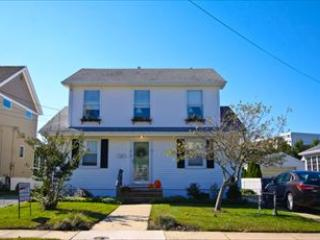 Grant Street Apartment 117003 - Image 1 - Cape May - rentals