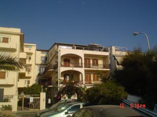 Appartamenti in villa fronte mare e pineta sottost - Grado Pineta vacation rentals