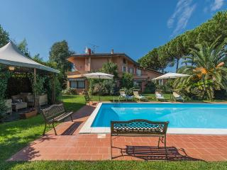 Villa Dolcevita Vacation Rentals in Lucca Province - Tuscany vacation rentals