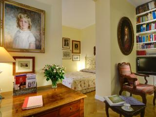 Navona Charme Suite for 2p, AC. Free Wi-Fi. - Rome vacation rentals