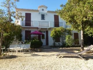 Cassis 5 Bedroom Villa with Sea View, Sleeps 11, 400 Meter to Portbeach - Six-Fours-les-Plages vacation rentals