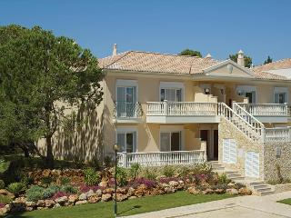 1 Bedroom Apartment in a Resort with Pools, Tennis Court and Golf, near the Beach - QUINTA DO LAGO R - Quinta do Lago vacation rentals