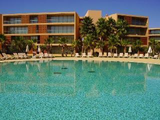 Salgados T3, luxury apartment, Gale beach, golfe, algarve holidays - Albufeira vacation rentals
