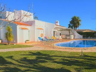 Casa Aveiros, praia da Oura, large parties, private villa, near the beach - Albufeira vacation rentals