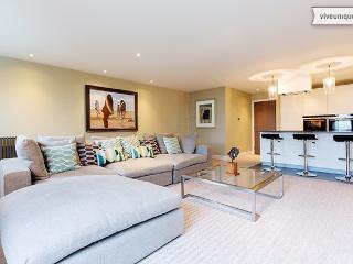 Luxury London 2 bed 2 bath on Aldersgate St, Clerkenwell - London vacation rentals